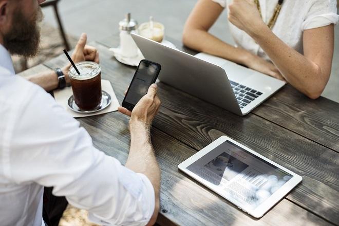 Η Ελλάδα στις κορυφαίες χώρες με ταχύτερο «κατέβασμα» μέσω mobile internet από ό,τι μέσω Wi-Fi