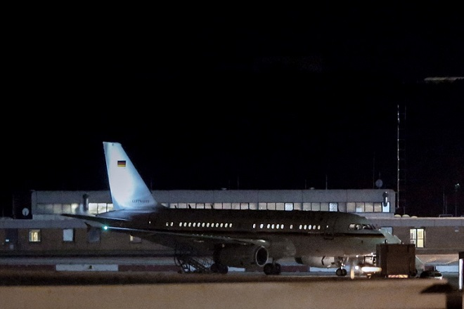 Πού οφείλεται η αναγκαστική προσγείωση του αεροσκάφους της Μέρκελ