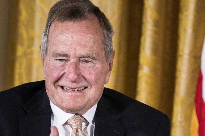Έφυγε από τη ζωή ο Τζορτζ Μπους ο πρεσβύτερος