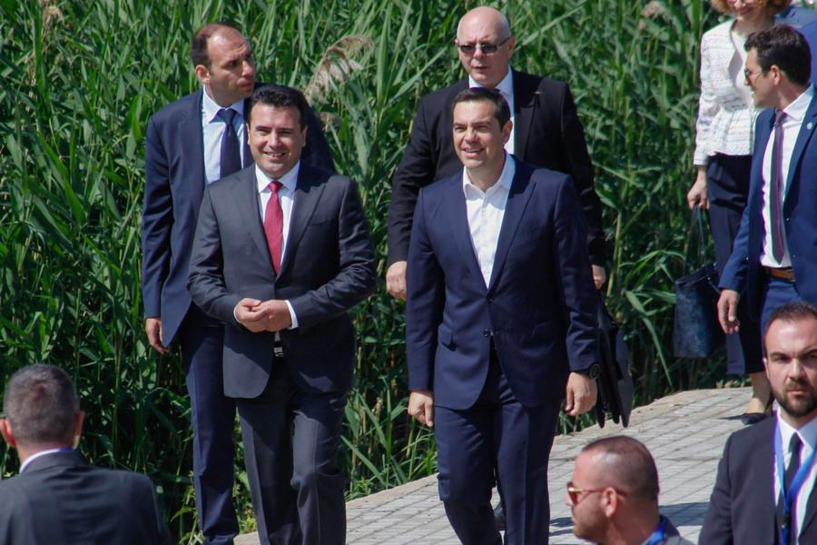 Financial Times: Διπλωματική επιτυχία η αλλαγή του ονόματος της Βόρειας Μακεδονίας