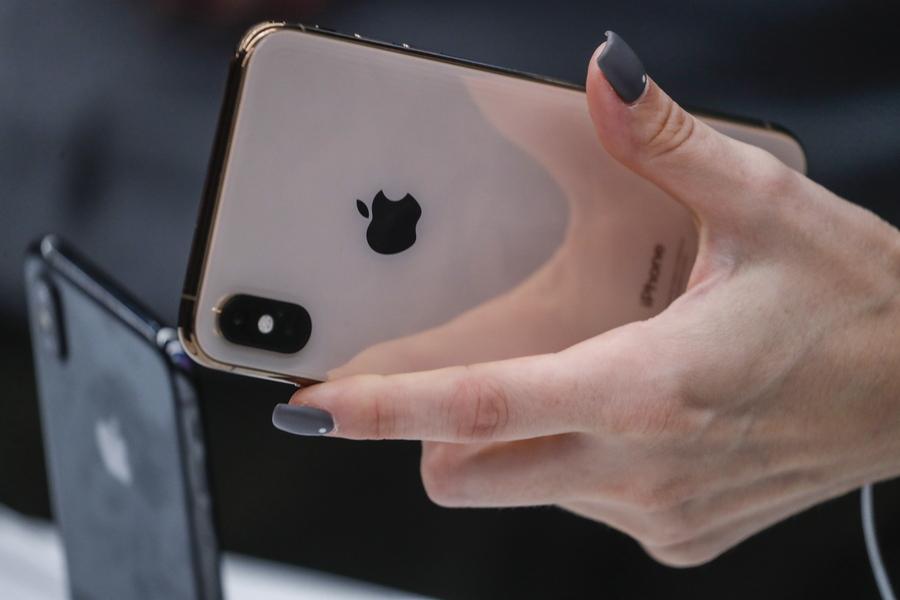 «Φρένο» μπαίνει στις πωλήσεις κινητών και υπολογιστών