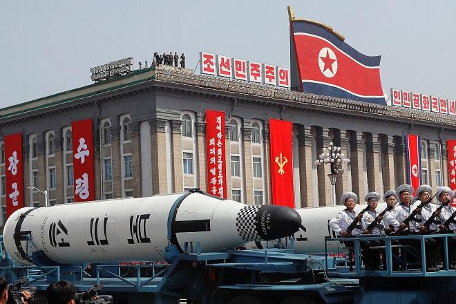 κιμ γιονγκ ουν βορεια κορεα βαλλιστικοι πυραυλοι