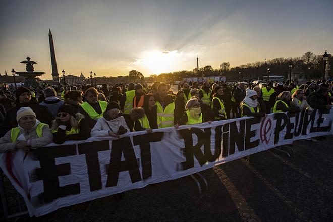 Πρωτοφανή μέτρα για τις νέες συγκεντρώσεις των «κίτρινων γιλέκων» ανακοίνωσε το Παρίσι