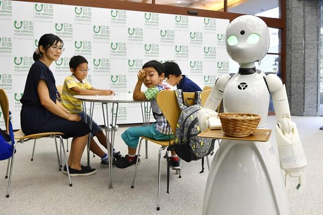 orihime-d-waiter-robot