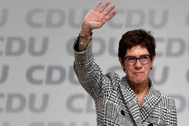Ανεγκρέτ Κραμπ-Καρενμπάουερ: Το προφίλ της νέας αρχηγού του CDU
