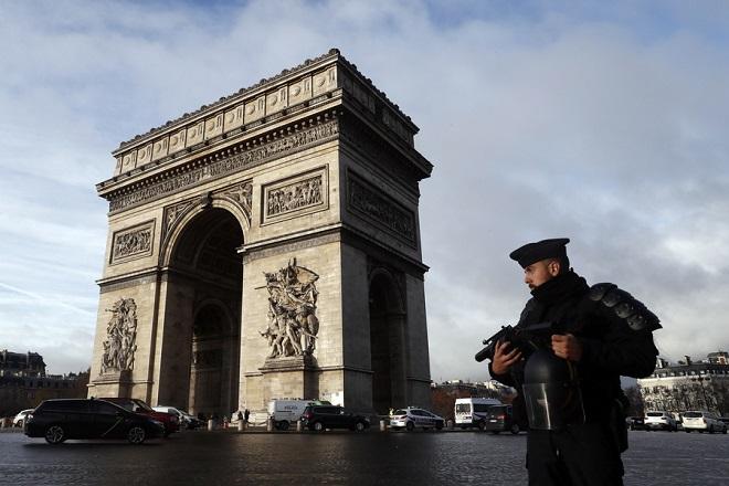 Σε κόκκινο συναγερμό η Γαλλία για τα «Κίτρινα Γιλέκα»- Συνελήφθησαν ήδη 278 άτομα