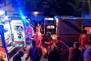 Emergency personnel attend to victims of a stampede at a nightclub in Corinaldo, near Ancona, Italy, in this undated handout picture obtained by Reuters December 8, 2018. Vigili del Fuoco/Handout via REUTERS   ATTENTION EDITORS - THIS IMAGE HAS BEEN SUPPLIED BY A THIRD PARTY. MANDATORY CREDIT. MUST NOT OBSCURE LOGO. 2