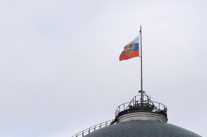 Το Κρεμλίνο διαψεύδει σενάρια παραμονής Πούτιν στην εξουσία μετά το 2024