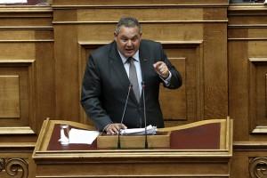 Ο υπουργός Εθνικής Άμυνας Πάνος Καμμένος απαντάει από το βήμα της Βουλής σε επίκαιρη ερώτηση του αντιπροέδρου της ΝΔ Άδωνι Γεωργιάδη με αντικείμενο την «επικοινωνία του κ. Καμμένου με τον ισοβίτη κ. Γιαννουσάκη», Αθήνα, την Δευτέρα 26 Ιουνίου 2017.  ΑΠΕ-ΜΠΕ/ΑΠΕ-ΜΠΕ/ΣΥΜΕΛΑ ΠΑΝΤΖΑΡΤΖΗ