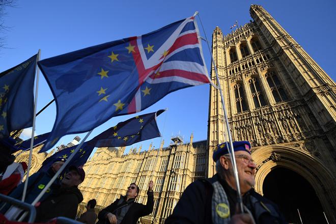 Ιαπωνικές εταιρείες λένε «σαγιονάρα» στη Βρετανία λόγω Brexit