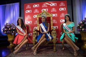 epa07231753 Isabella Rodriguez (C) attends the official presentation to the press as winner of the Miss Venezuela beauty contest, along with Alondra Echeverria (R), and Oricia Domínguez (L), first and second finalists respectively, in Caracas, Venezuela, 14 December 2018.  EPA/Cristian Hernandez