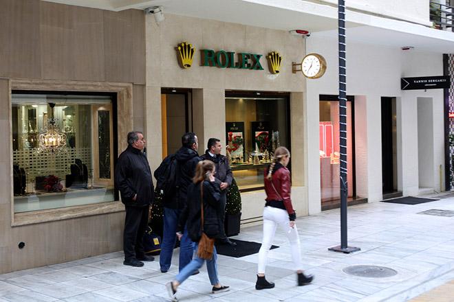 Ένοπλη ληστεία στην καρδιά της Αθήνας – «Σήκωσαν» πανάκριβα ρολόγια