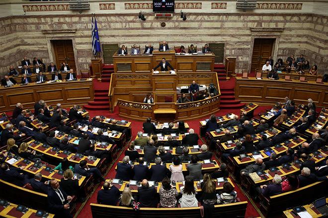Με ονομαστική ψηφοφορία η κύρωση της ένταξης της ΠΓΔΜ στο ΝΑΤΟ (LIVE)