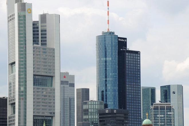 «Πρωταθλήτριες» οι ευρωπαϊκές τράπεζες στις απολύσεις: 9 στις 10 έγιναν στην Ευρώπη