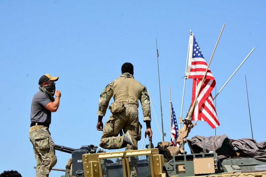 ΗΠΑ: Παρά την αποχώρηση από τη Συρία παραμένουν στη μάχη κατά του Ισλαμικού Κράτους