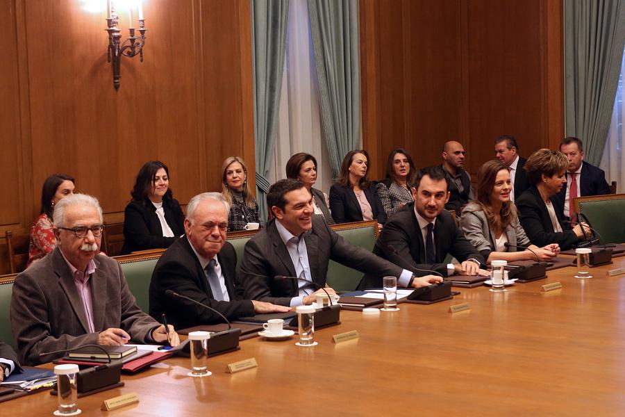 Υπουργικό: Προσλήψεις 15.000 εκπαιδευτικών στην επόμενη τριετία εισηγήθηκε ο Αλέξης Τσίπρας