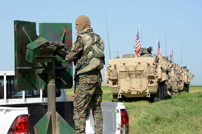 WSJ: Ως τα τέλη Απριλίου η πλήρης αποχώρηση του στρατού των ΗΠΑ από τη Συρία