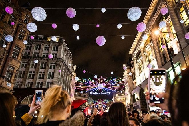Τα πιο όμορφα χριστουγεννιάτικα στολισμένα μέρη του κόσμου