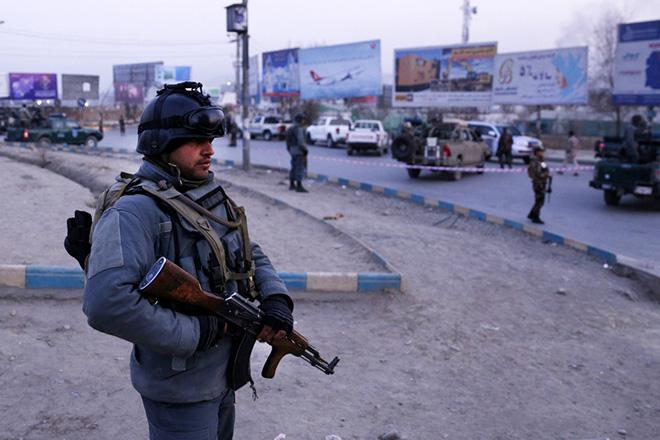 Αφγανιστάν: Ένοπλη επίθεση σε κυβερνητικό κτίριο με 30 νεκρούς και ομήρους