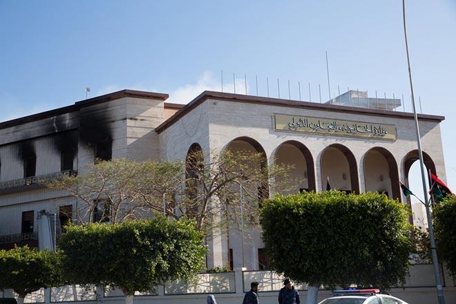 Το Ισλαμικό Κράτος ανέλαβε την ευθύνη για την επίθεση στο υπουργείο Εξωτερικών της Λιβύης