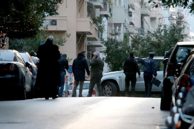 Μικρής ισχύος η βόμβα στο Κολωνάκι – Δύο τραυματίες (βίντεο)