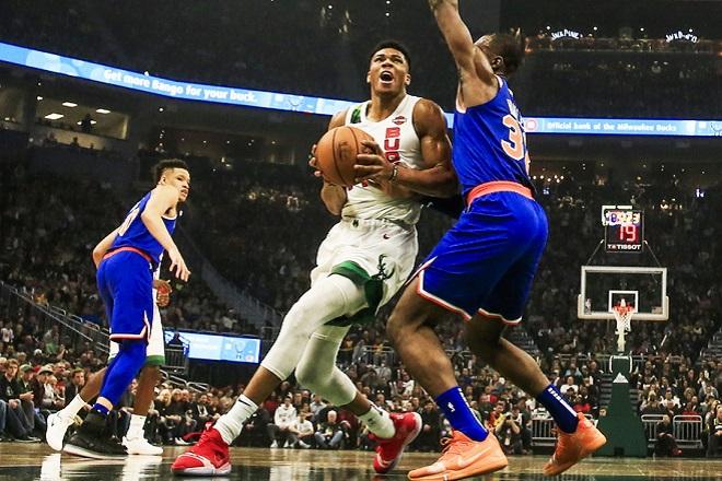 Νέο σόου του Αντετοκούνμπο στο NBA (βίντεο)