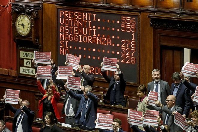 Η ιταλική Βουλή ενέκρινε τον προϋπολογισμό του 2019