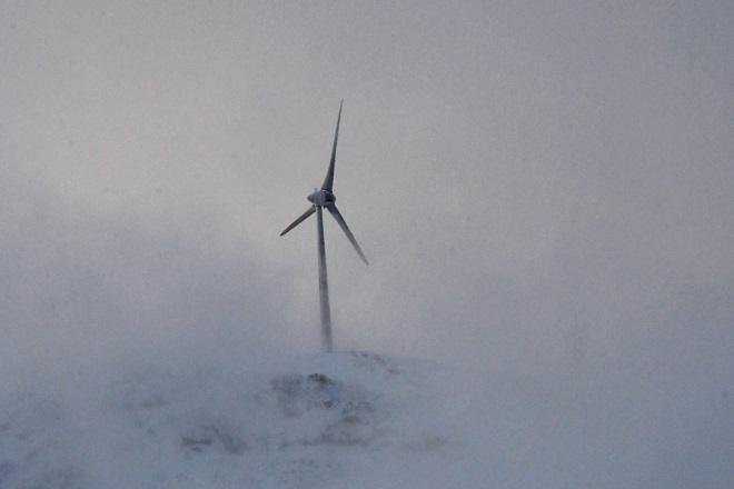 Ούριος επενδυτικός άνεμος στην αιολική ενέργεια στην Ελλάδα- Αύξηση 8% το 6μηνο