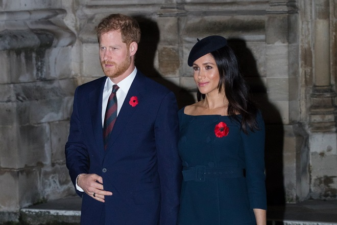epa07159779 Britain's Prince Harry, Duke of Sussex and Meghan, Duchess of Sussex leaving Westminster Abbey after attending a Service to mark the Centenary of the Armistice in London, Britain, 11 November 2018. The Queen accompanied by members of the royal family are marking the centenary of Armistice Day with a service at Westminster Abbey.  EPA/VICKIE FLORES