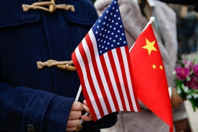 china usa flags σημαιες ηπα κινα ΑΠΕ