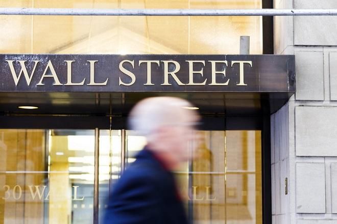 Οι παρεμβάσεις της ΕΚΤ έριξαν τους βασικούς δείκτες της Γουόλ Στριτ