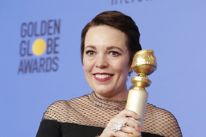 epa07267042 Olivia Colman poses with the award for Best Performance by an Actress in a Motion Picture - Musical or Comedy for 'The Favourite' in the press room during the 76th annual Golden Globe Awards ceremony at the Beverly Hilton Hotel, in Beverly Hills, California, USA, 06 January 2019.  EPA/MIKE NELSON