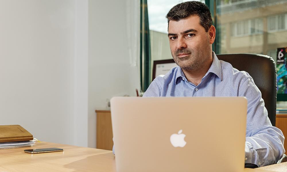 Η εταιρεία πίσω από την επιτυχία της Apple στην Ελλάδα