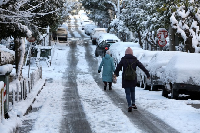 Με χιόνι έχουν καλυφθεί οι γειτονιές του Χολαργού στην Αττική, Τρίτη 8 Ιανουαρίου 2019. Η κακοκαιρία που πλήττει την Ελλάδα από χθες είχε σαν αποτέλεσμα να καλυφθεί από χιόνι μεγάλο μέρος της χώρας και το μεγαλύτερο μέρος της πρωτεύουσας ΑΠΕ-ΜΠΕ/ΑΠΕ-ΜΠΕ/ΣΥΜΕΛΑ ΠΑΝΤΖΑΡΤΖΗ
