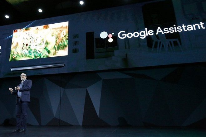 epa06425506 Google Vice President of Engineering, Google Assistant Scott Huffman speaks to media at the LG press event at the 2018 International Consumer Electronics Show in Las Vegas, Nevada, USA, 08 January 2018. The annual CES which takes place from 9-12 January is a place where industry manufacturers, advertisers and tech-minded consumers converge to get a taste of new innovations coming to the market each year.  EPA/LARRY W. SMITH
