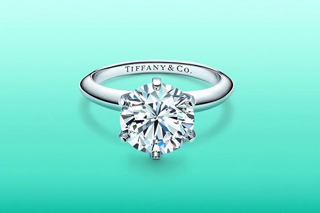 Το Tiffany σπάει τα ταμπού της αγοράς και αποκαλύπτει την προέλευση των διαμαντιών του