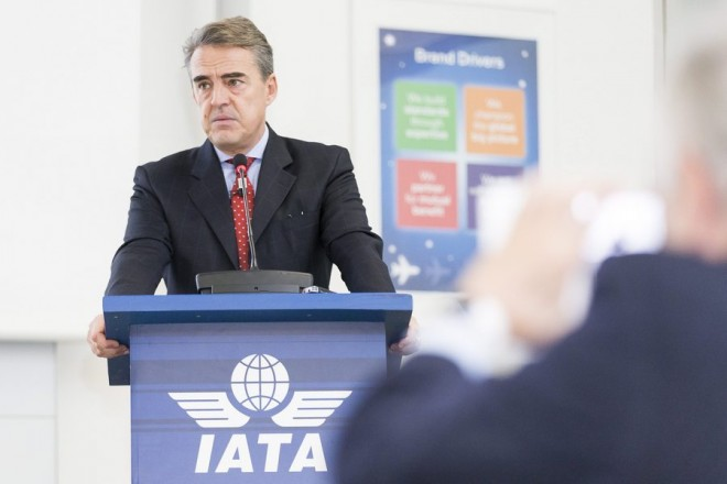 epa05665257 Alexandre de Juniac, Director General and CEO of the International Air Transport Association (IATA), speaks during an IATA Global Media Day in Geneva, Switzerland, 08 December 2016.  EPA/CYRIL ZINGARO