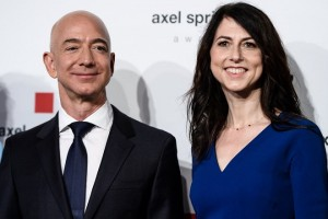 epa06689650 Amazon CEO Jeff Bezos (L) and and his wife MacKenzie attend the Axel Springer Award 2018, in Berlin, Germany, 24 April 2018. Amazon CEO Bezos, who also owns US newspaper 'Washington Post', is awarded with the Axel Springer Award. Axel Springer SE is one of the largest digital publishing houses in Europe and owner of numerous multimedia news brands.  EPA/CLEMENS BILAN