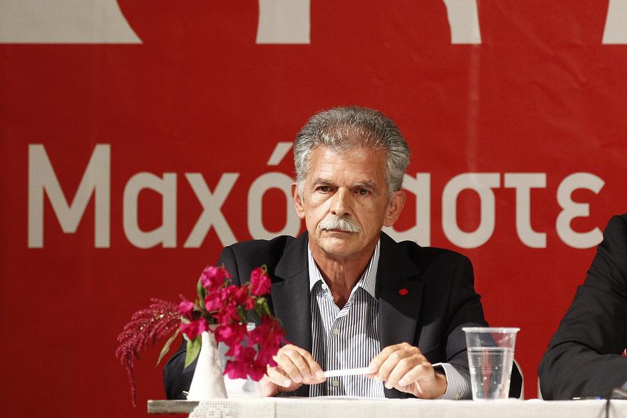 «Στενό μαρκάρισμα» στον Σπύρο Δανέλλη για να μη δώσει ψήφο εμπιστοσύνης στην κυβέρνηση