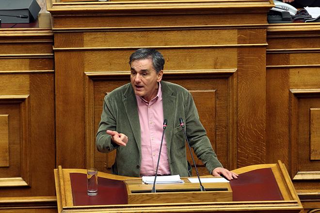 Ο ΥΠΟΙΚ Ευκλείδης Τσακαλώτος μιλά στη σημερινή συζήτηση στην Ολομέλεια για παροχή ψήφου εμπιστοσύνης προς την κυβέρνηση, Τρίτη 15 Ιανουαρίου 2019. Η συζήτηση θα ολοκληρωθεί με ονομαστική ψηφοφορία το βράδυ της Τετάρτης. ΑΠΕ-ΜΠΕ/ΑΠΕ-ΜΠΕ/Αλέξανδρος Μπελτές