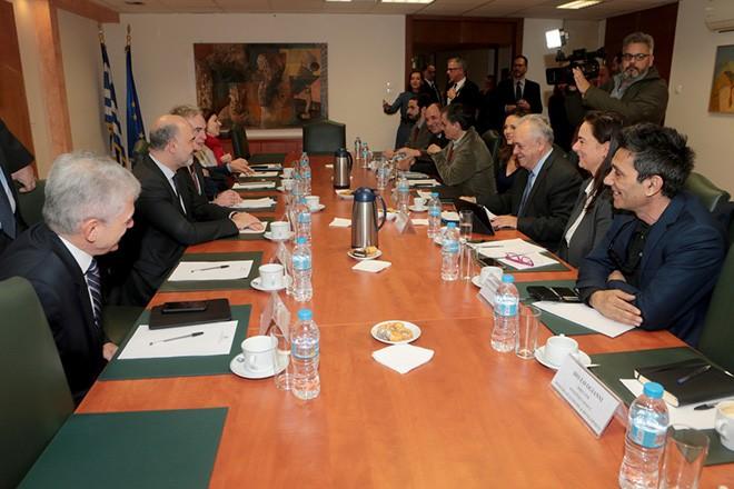 Ο επίτροπος Οικονομικών και Δημοσιονομικών Υποθέσεων της ΕΕ, Πιερ Μοσκοβισί συναντάται με τον αντιπρόεδρο της κυβέρνησης και υπουργό Οικονομίας και Ανάπτυξης Γιάννη Δραγασάκη, την υπουργό Εργασίας Κοινωνικής Ασφάλισης και Κοινωνικής Αλληλεγγύης Έφη Αχτσιόγλου, τον υπουργό Οικονομικών Ευκλείδη Τσακαλώτο και τον υπουργό Περιβάλλοντος και Ενέργειας Γιώργο Σταθάκη , Τετάρτη 16 Ιανουαρίου 2019. Με τον αντιπρόεδρο της κυβέρνησης και υπουργό Οικονομίας και Ανάπτυξης Γιάννη Δραγασάκη, την υπουργό Εργασίας Κοινωνικής Ασφάλισης και Κοινωνικής Αλληλεγγύης Έφη Αχτσιόγλου, τον υπουργό Οικονομικών Ευκλείδη Τσακαλώτο και τον υπουργό Περιβάλλοντος και Ενέργειας Γιώργο Σταθάκη συναντήθηκε ο επίτροπος Οικονομικών και Δημοσιονομικών Υποθέσεων της ΕΕ, Πιερ Μοσκοβισί. ΑΠΕ-ΜΠΕ/ΑΠΕ-ΜΠΕ/Παντελής Σαίτας