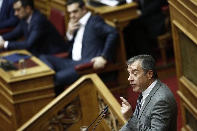 Στ. Θεοδωράκης: «Είμαι αντίθετος με τον Τσίπρα, αλλά είναι λογική λύση οι Πρέσπες»