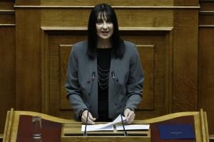 Η υπουργός Τουρισμού, Έλενα Κουντουρά, μιλάει από το βήμα της Ολομέλειας της Βουλής στη συζήτηση για τον Προϋπολογισμό του έτους 2019, Αθήνα, Δευτέρα 17 Δεκεμβρίου 2018.  ΑΠΕ-ΜΠΕ/ΑΠΕ-ΜΠΕ/ΓΙΑΝΝΗΣ ΚΟΛΕΣΙΔΗΣ
