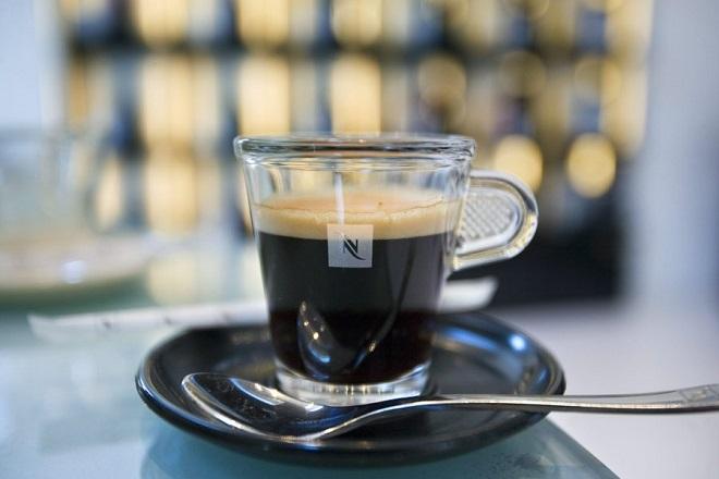 «Πικρός» ο καφές για τους Έλληνες λόγω φόρων
