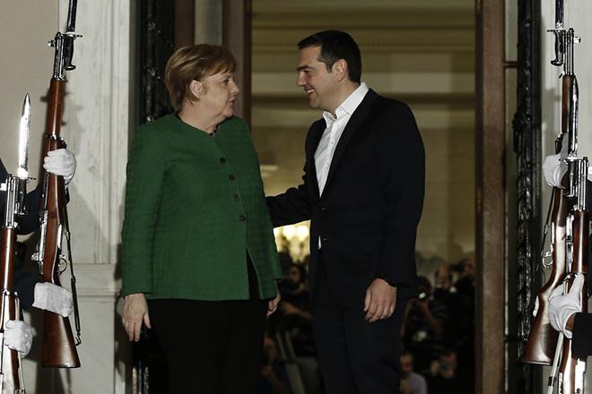 Πώς σχολίασε ο διεθνής Τύπος την επίσκεψη της Μέρκελ στην Αθήνα