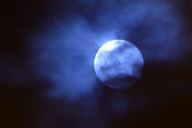 Απόψε το μεγαλύτερο φεγγάρι του 2020 χάρη στη νέα «πασχαλινή» υπερπανσέληνο