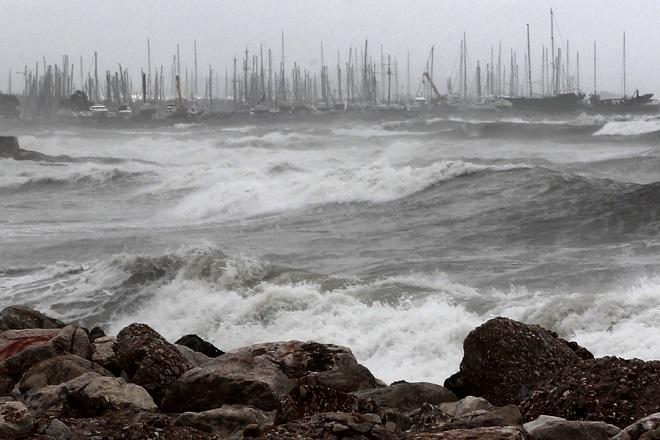Αγριεύει ο καιρός: Βροχές, ισχυρές καταιγίδες και θυελλώδεις άνεμοι