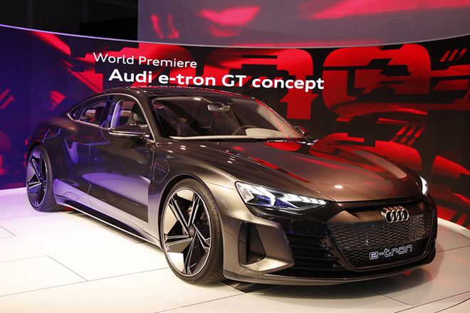 epa07196570 The Audi e-tron concept car is displayed at the Automobility LA auto show at the Convention Center in  Los Angeles, California, USA, 28 November 2018. The show will run from 26 November to 29 November.  EPA/MIKE NELSON