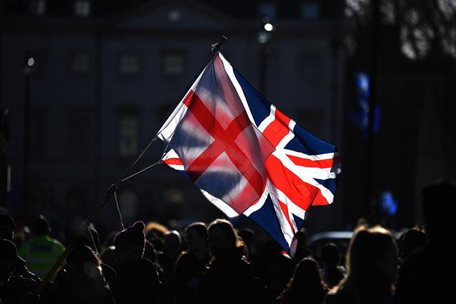 Βρετανός υπ. Άμυνας: Να είμαστε έτοιμοι για χρήση στρατιωτικής ισχυος