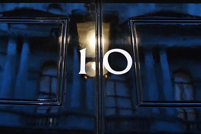 Ανακοινώθηκαν οι δέκα «μνηστήρες» του πρωθυπουργικού θώκου της Βρετανίας